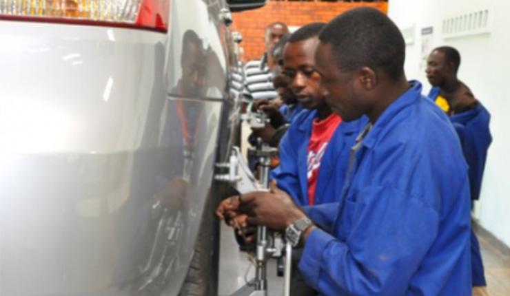Modern Motor Vehicle Mechanic Works