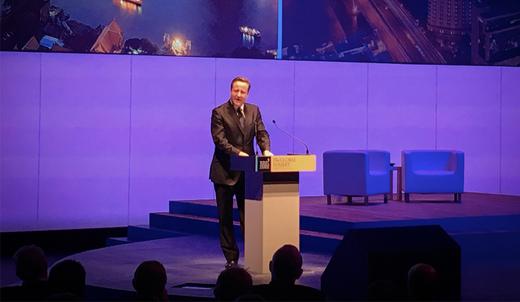 David Cameron Warns Travel Industry Not to Dismiss Immigration Concerns